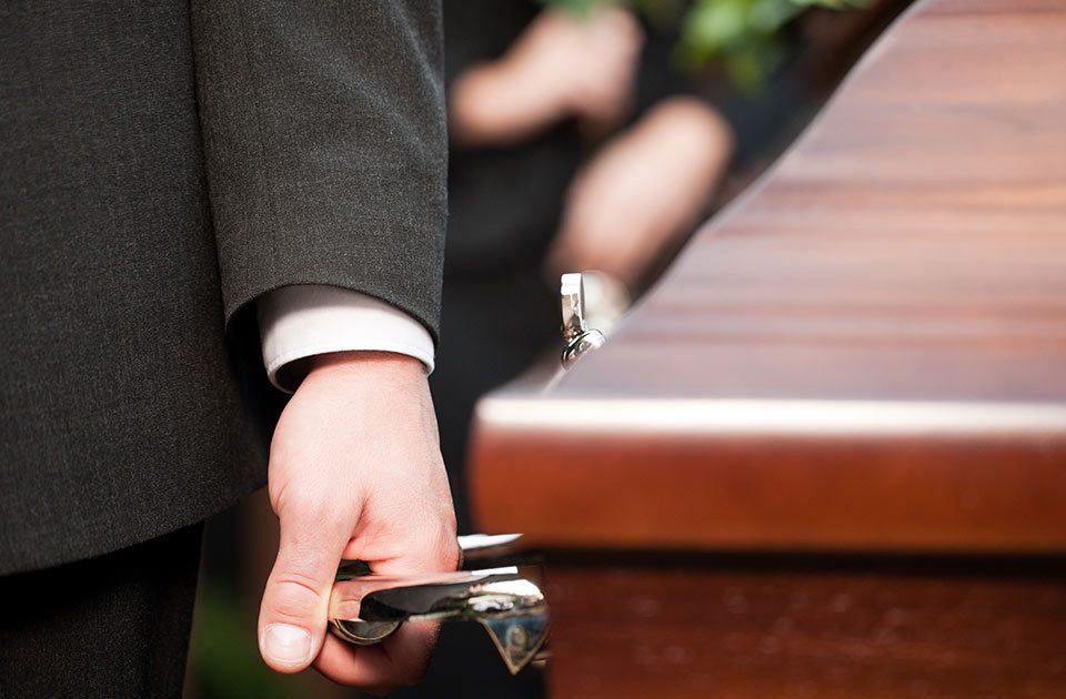 Onoranze Funebri Reale - Organizzare un funerale laico a Napoli